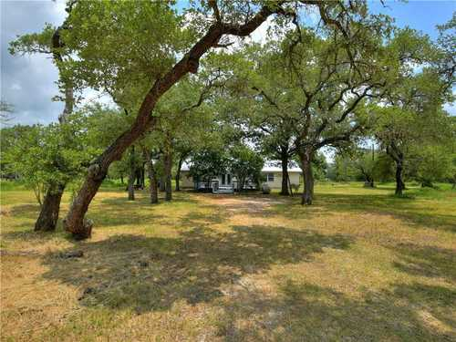 $285,000 - 3Br/2Ba -  for Sale in Cummins Creek, Giddings
