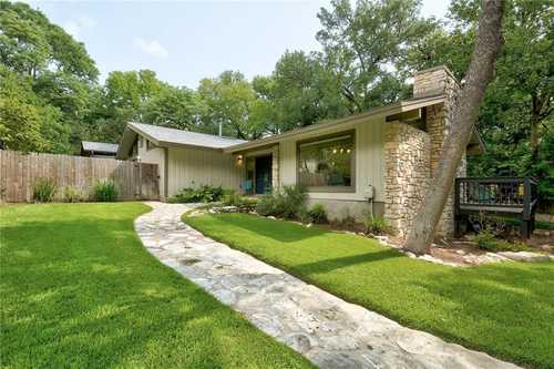 $1,890,000 - 4Br/4Ba -  for Sale in Lakeview Gardens, West Lake Hills