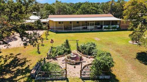 $749,000 - 3Br/2Ba -  for Sale in Rolling Oaks Sec 2, Driftwood