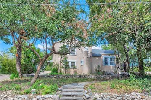 $898,500 - 2Br/2Ba -  for Sale in Speedway Heights, Austin