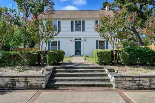 $1,500,000 - 4Br/3Ba -  for Sale in Edgemont, Austin