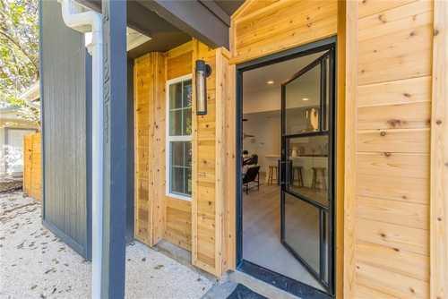 $389,000 - 2Br/2Ba -  for Sale in Barrington Oaks Sec 10, Austin