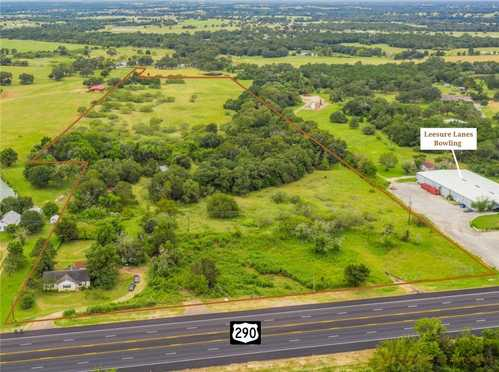 $725,000 - 0Br/0Ba -  for Sale in None, Giddings