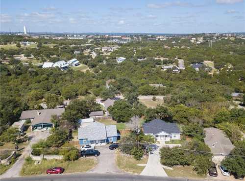$775,000 - 6Br/4Ba -  for Sale in Apache Shores Sec 05, Austin