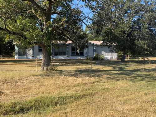 $323,400 - 3Br/2Ba -  for Sale in None, Giddings