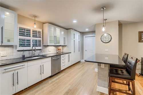 $850,000 - 3Br/2Ba -  for Sale in Byrnes James Sub, Austin