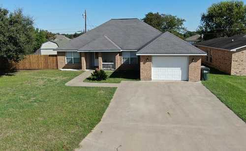 $258,500 - 3Br/2Ba -  for Sale in Hickory Creek, Giddings