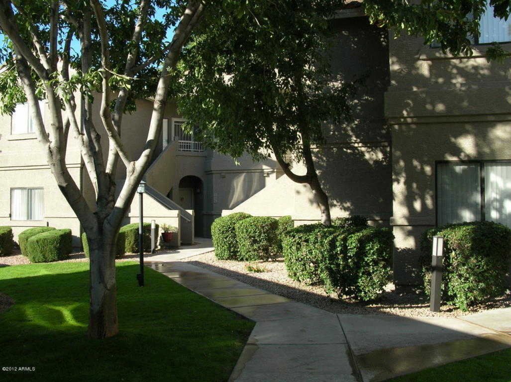 - 2Br/2Ba -  for Sale in Villages North Condominiums, Scottsdale