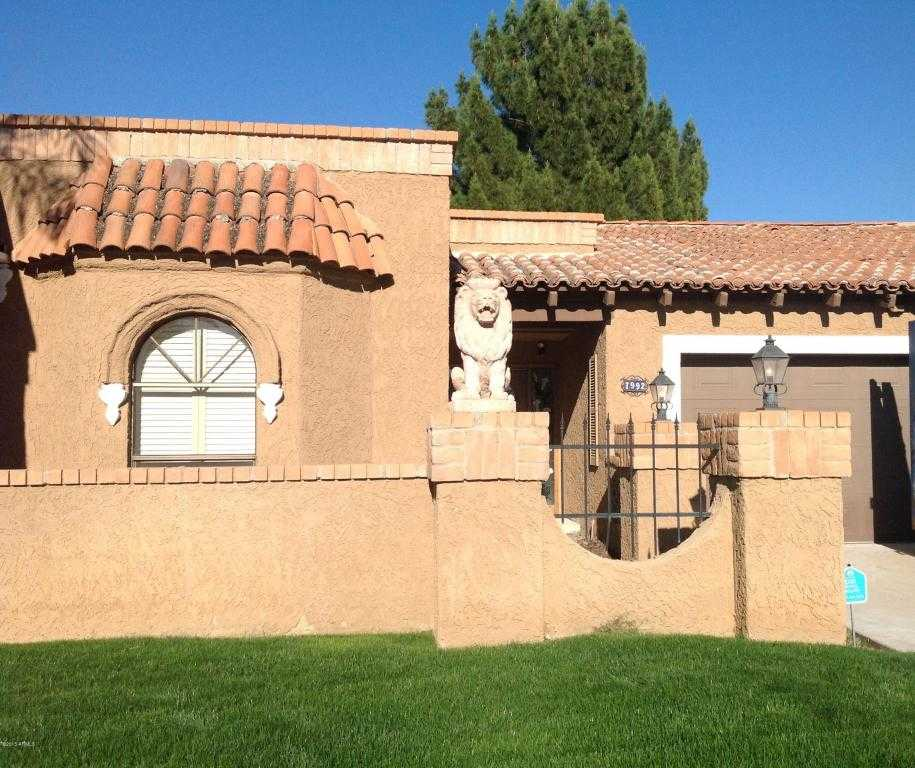 - 2Br/2Ba -  for Sale in Santa Fe Reamended Lot 1-125 & Tr A-e, Scottsdale