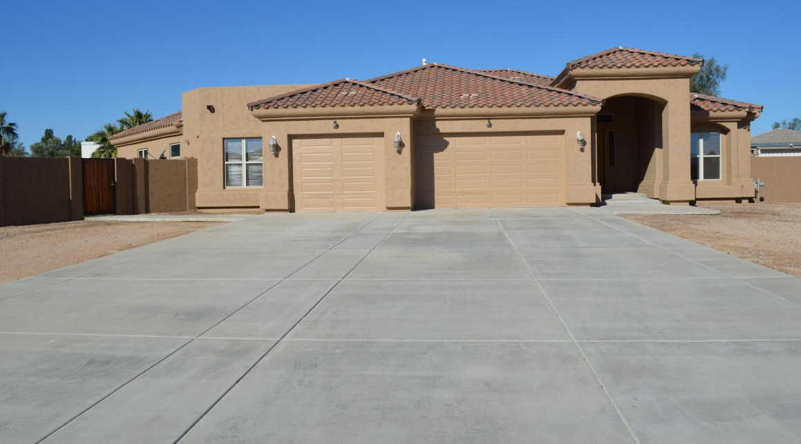 $559,900 - 4Br/3Ba - Home for Sale in Alexandra Point 2, Glendale