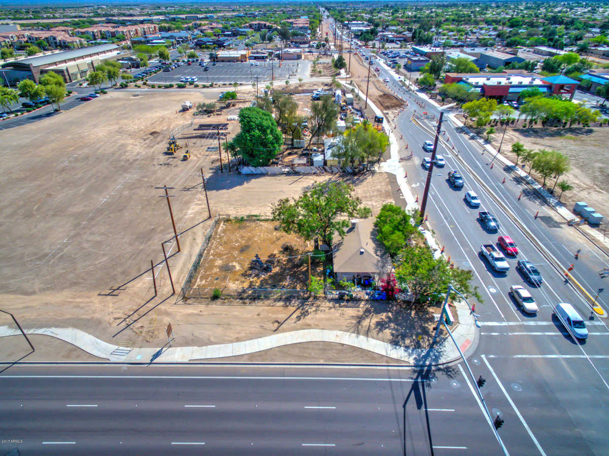 $750,000 - 2Br/1Ba - Home for Sale in Urban Subdivision, Queen Creek