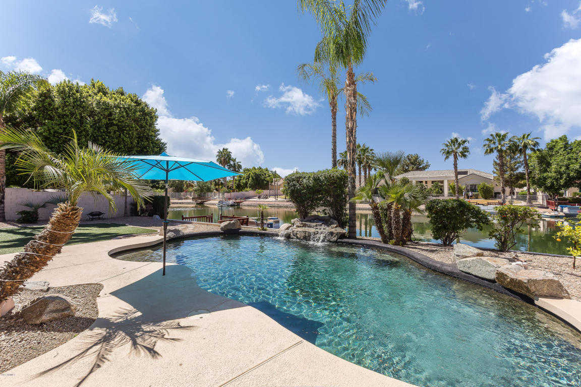 $649,900 - 4Br/3Ba - Home for Sale in Arrowhead Lakes, Glendale