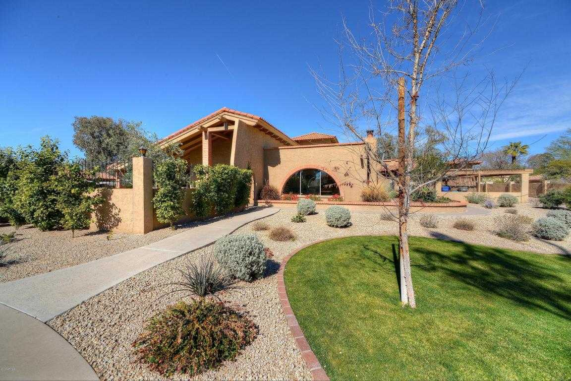 $1,095,000 - 5Br/3Ba - Home for Sale in Fairway Acres Lots 6-18, Paradise Valley
