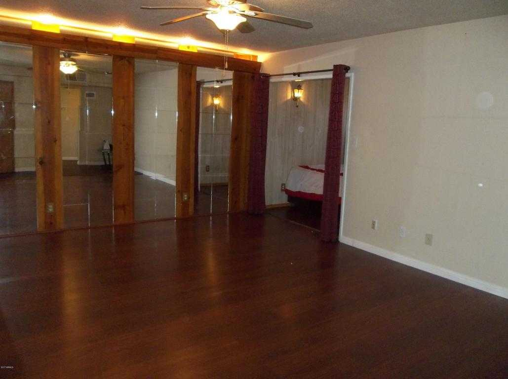 $74,900 - 2Br/1Ba -  for Sale in Consolidated Cooperatives Of Scottsdale East, Scottsdale