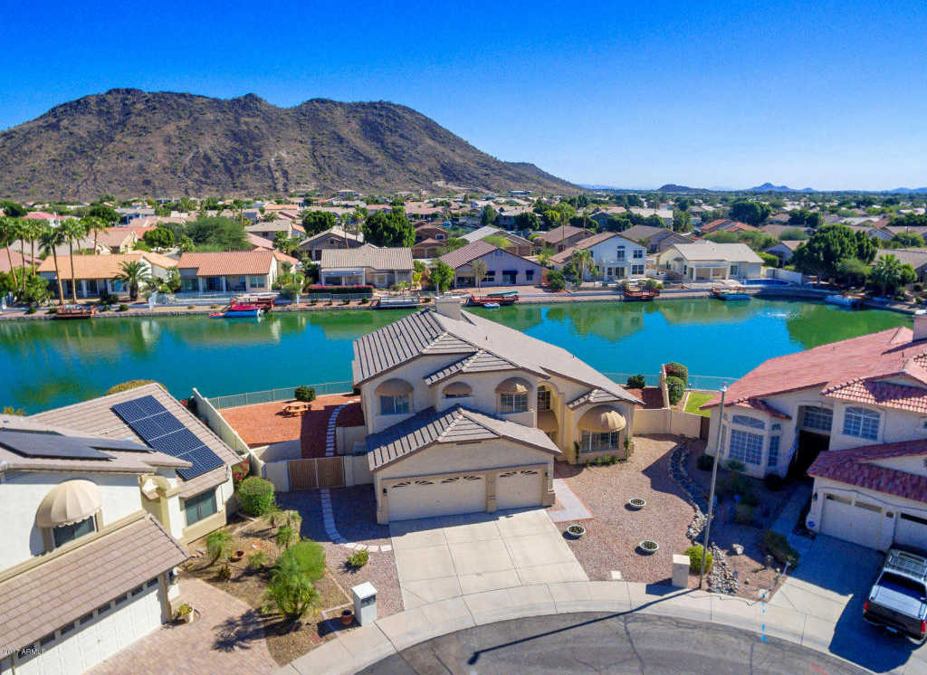$548,000 - 4Br/3Ba - Home for Sale in Arrowhead Lakes 3 Lot 239-333 Tr A-b, Glendale
