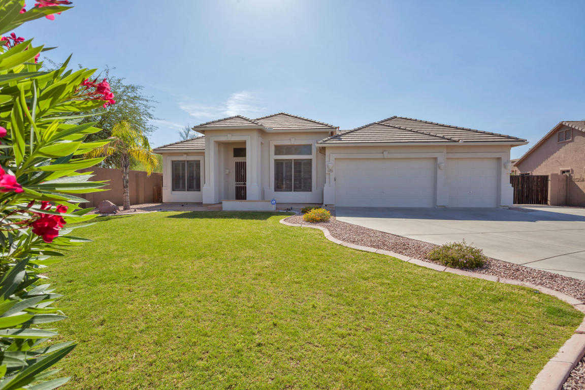 $400,000 - 4Br/3Ba - Home for Sale in Chaminade, Glendale