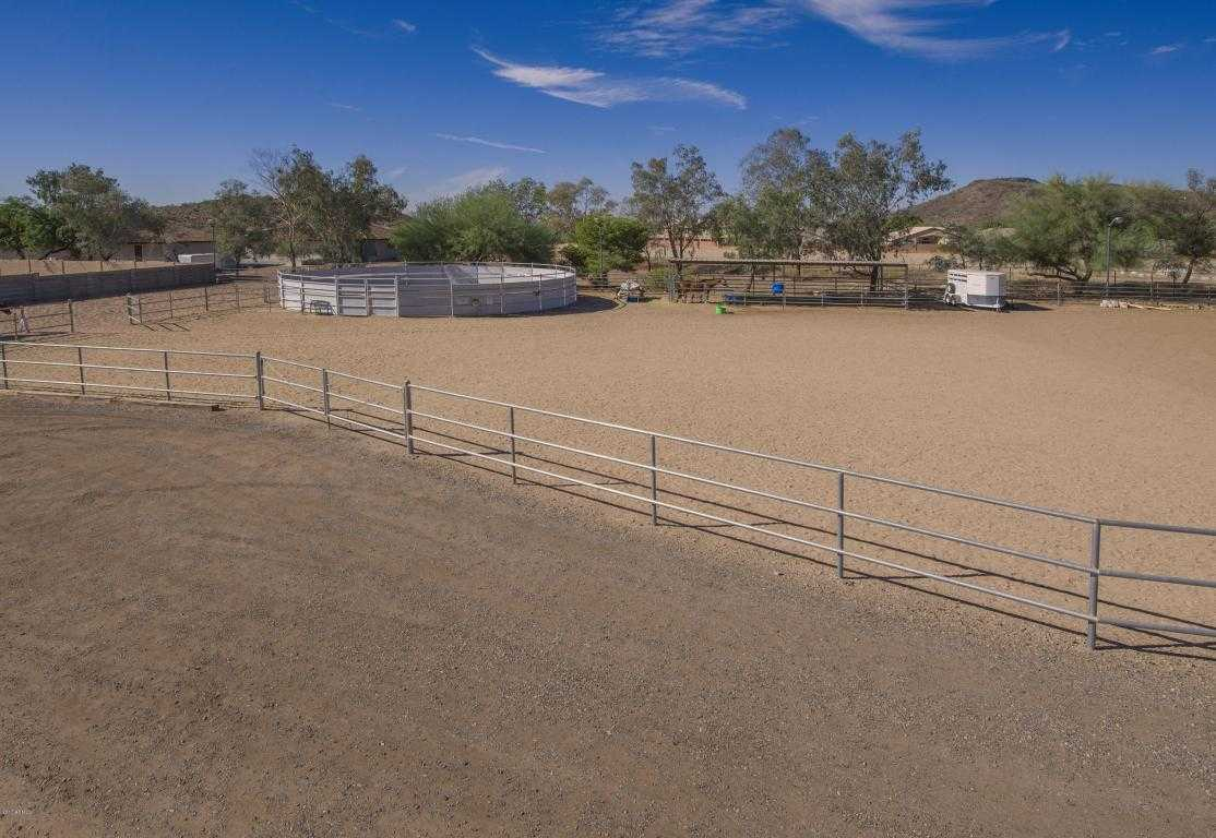 $699,000 - 4Br/3Ba - Home for Sale in Horse Propery, Glendale