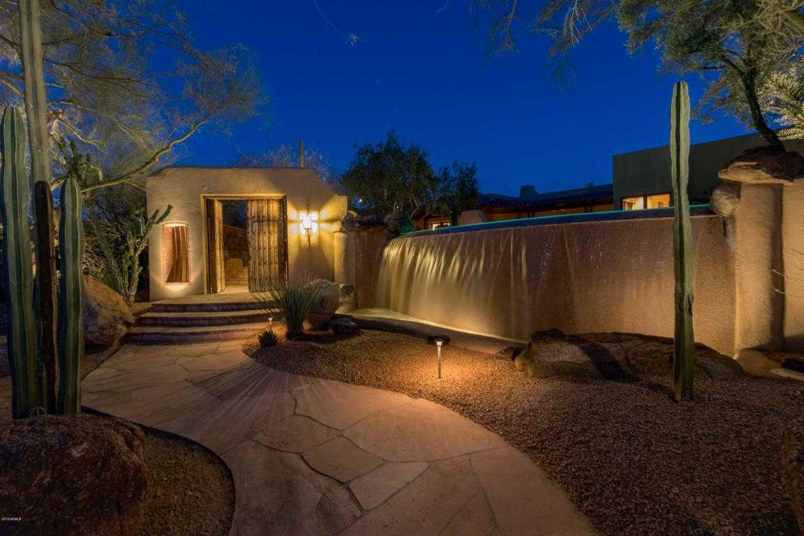 $2,195,000 - 5Br/5Ba - Home for Sale in Mockingbird Square, Paradise Valley