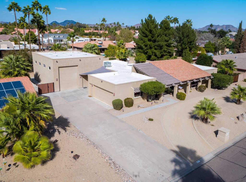 $590,000 - 4Br/3Ba - Home for Sale in Hidden Manor, Glendale