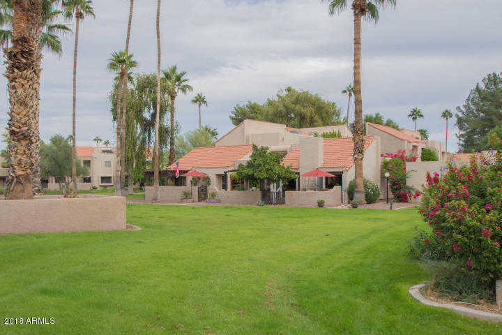 - 3Br/2Ba -  for Sale in Camello Vista 1 P/d 86-568914, Scottsdale