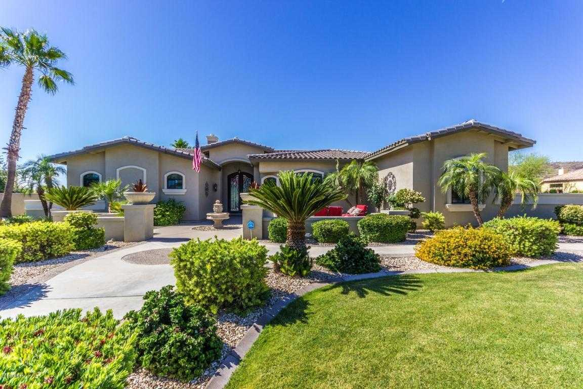 $999,999 - 6Br/5Ba - Home for Sale in Saddleback Meadows Unit 6, Glendale