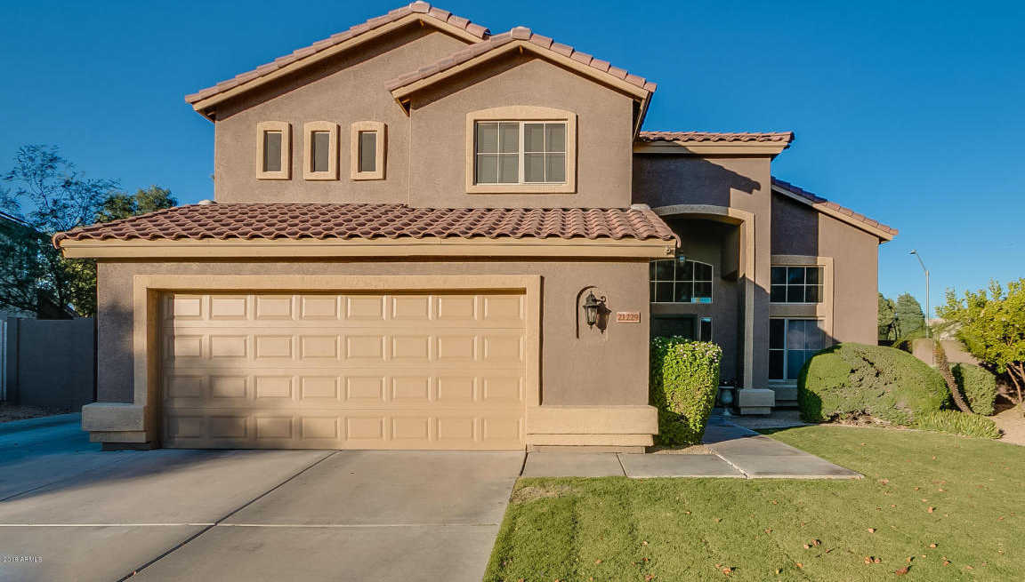 $389,999 - 4Br/3Ba - Home for Sale in Sienna, Glendale