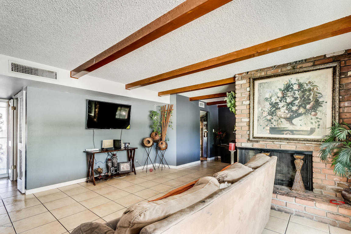 $215,000 - 3Br/2Ba - Home for Sale in West Plaza 16, Glendale