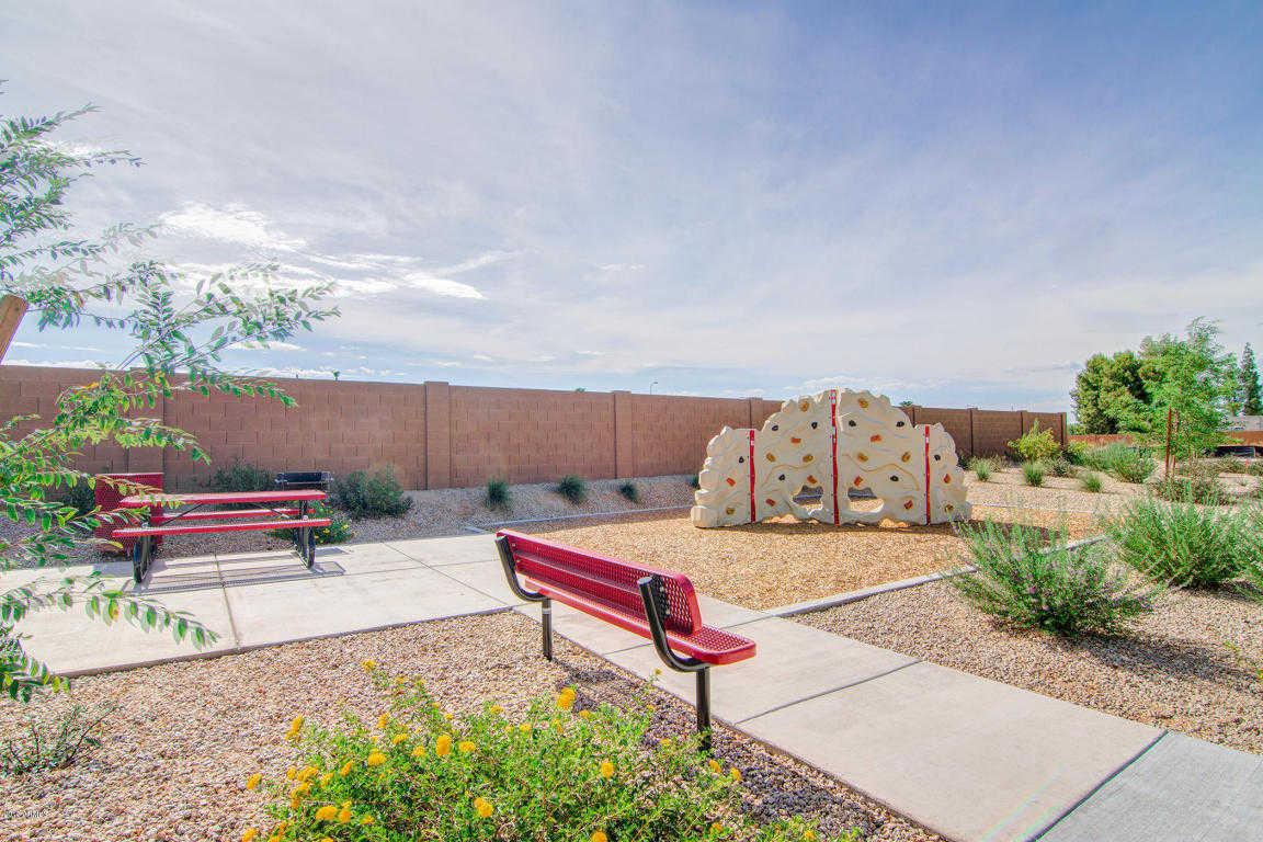 $325,000 - 4Br/3Ba - Home for Sale in Cholla Parkside, Glendale