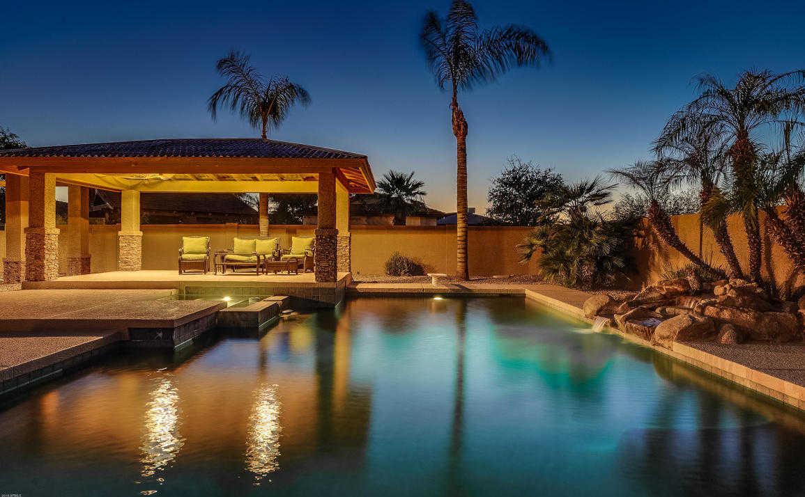 $899,000 - 5Br/6Ba - Home for Sale in Saddleback Ranch, Glendale
