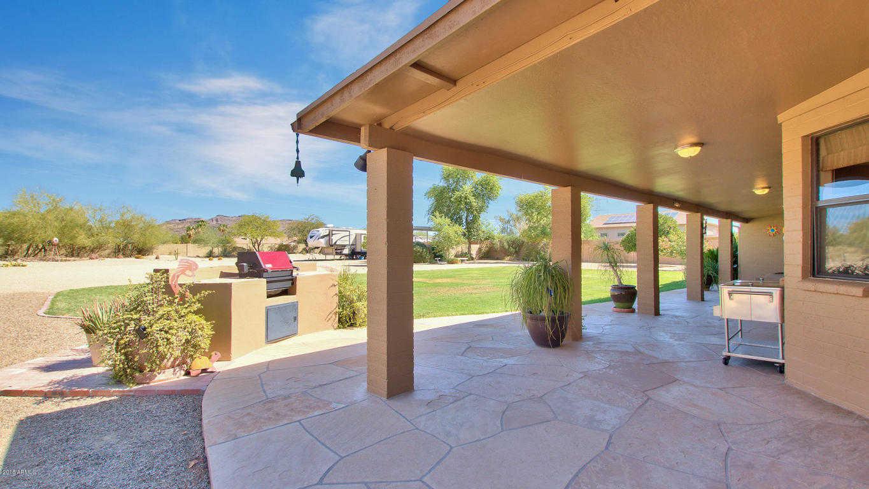 $583,900 - 5Br/3Ba - Home for Sale in Saddleback Meadows Unit 1b, Glendale