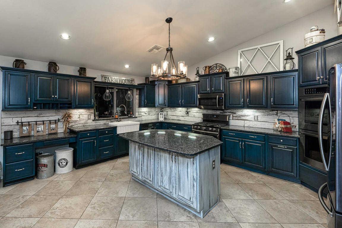 $359,500 - 4Br/2Ba - Home for Sale in Arrowhead Meadows, Glendale