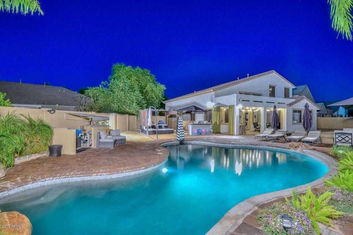 $397,000 - 4Br/3Ba - Home for Sale in Rovey Farm Estates North, Glendale