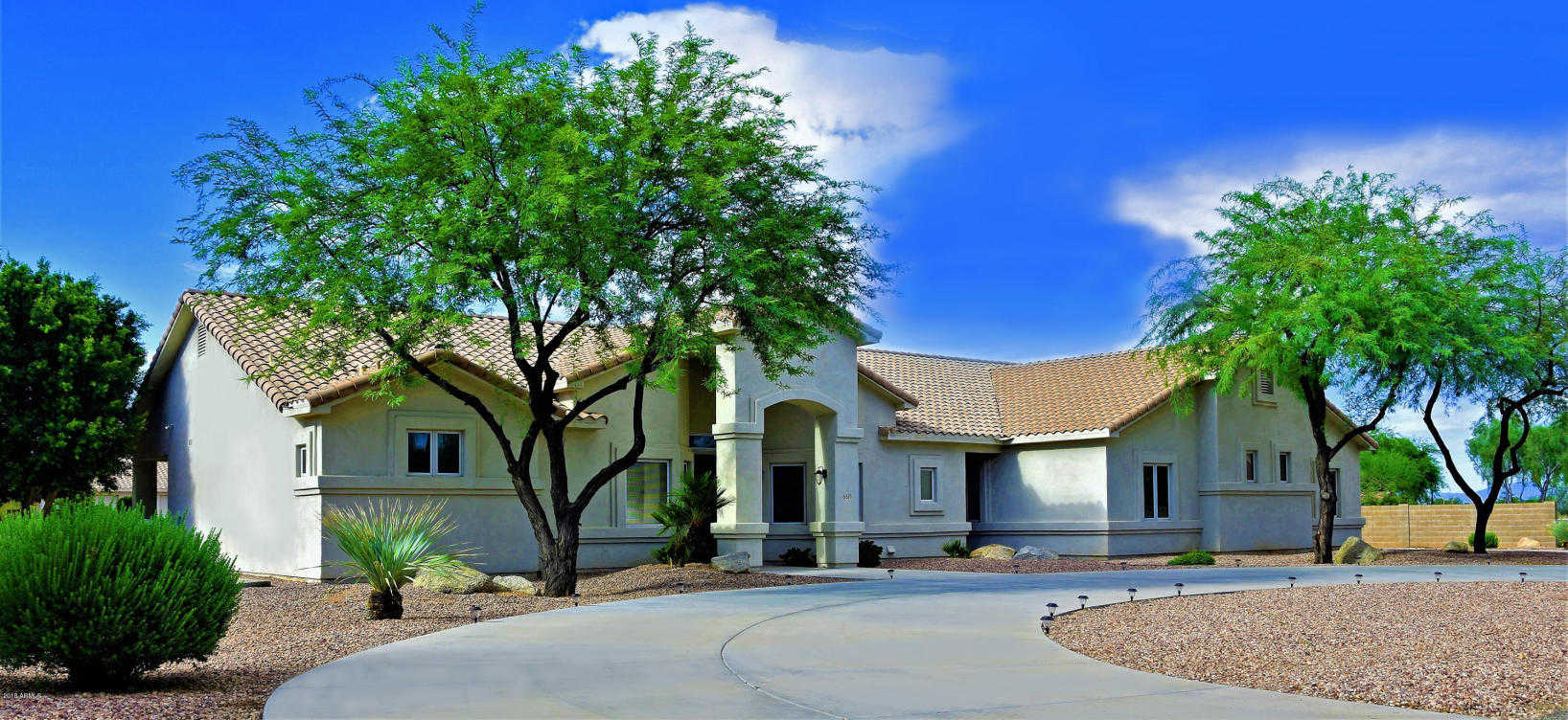 $820,000 - 7Br/5Ba - Home for Sale in Metes And Bounds, Glendale