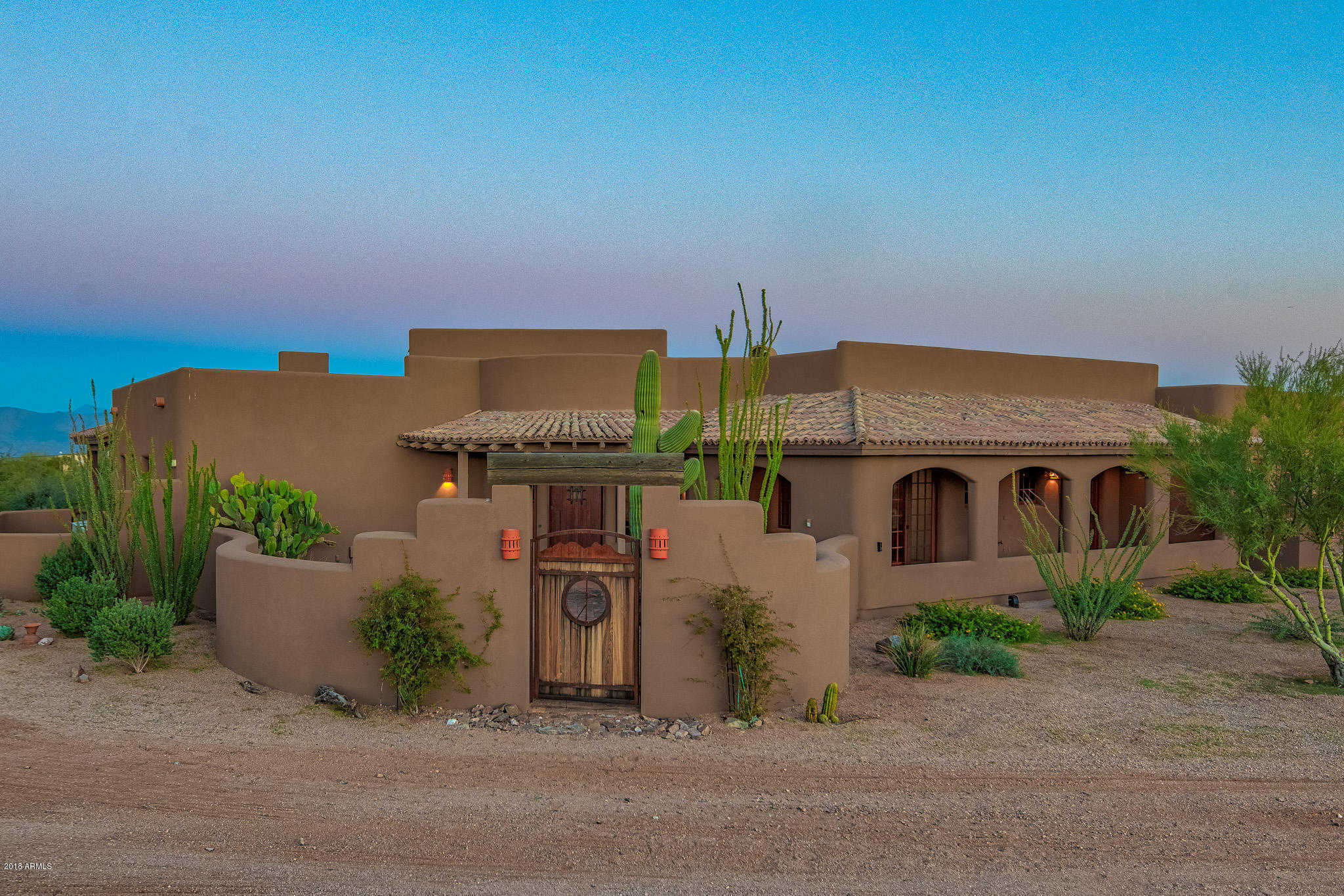 Homes with Guest House or Casita - Marcella Lambert | Sonoran Sky