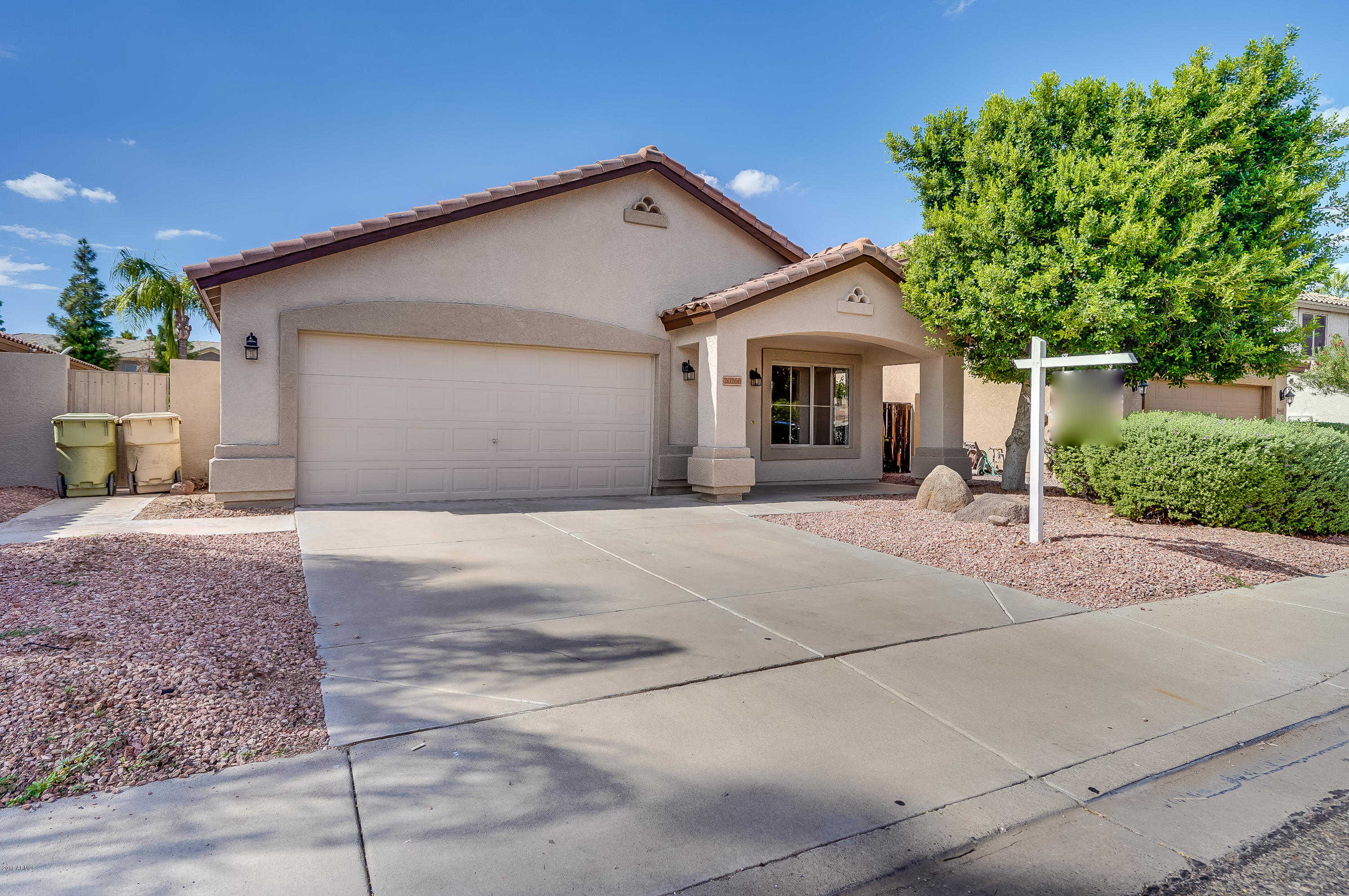 $319,900 - 3Br/2Ba - Home for Sale in Valencia, Glendale