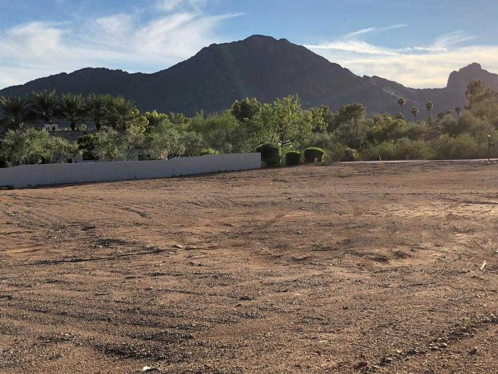 $1,395,000 - Br/Ba -  for Sale in Mummy Mt Foothills, Paradise Valley