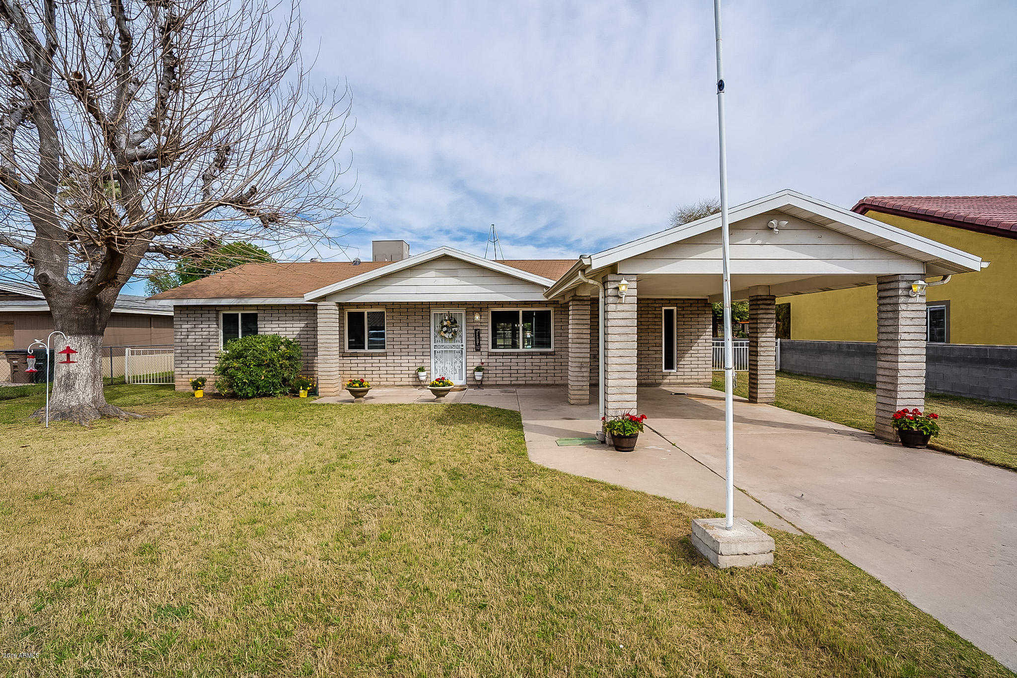 $339,900 - 3Br/2Ba - Home for Sale in Metes & Bounds, Glendale