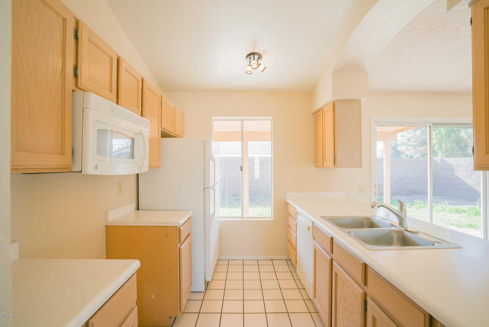 $200,000 - 3Br/2Ba - Home for Sale in Camelback Park Lot 1-288 Tr A-d, Glendale