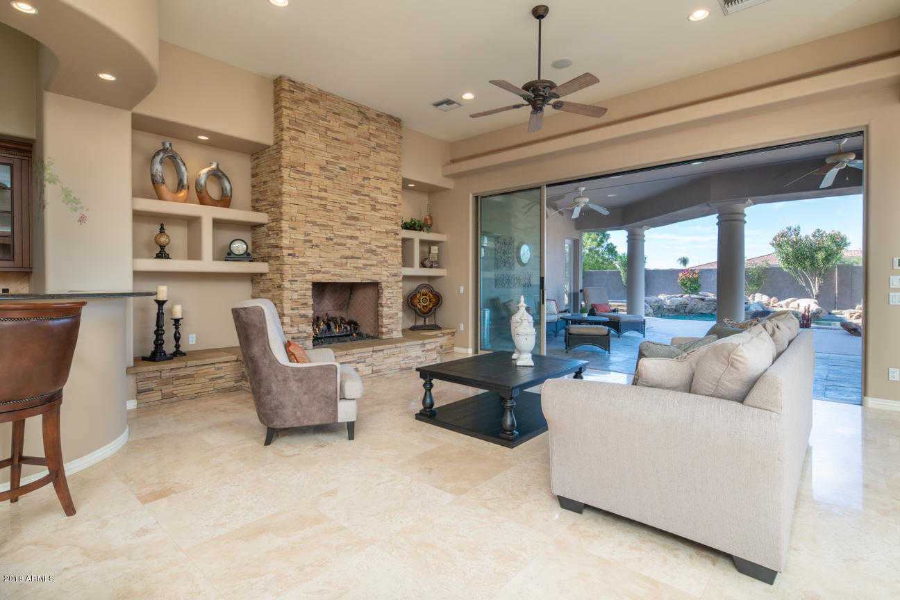 $875,000 - 5Br/5Ba - Home for Sale in North Valley Estates, Glendale