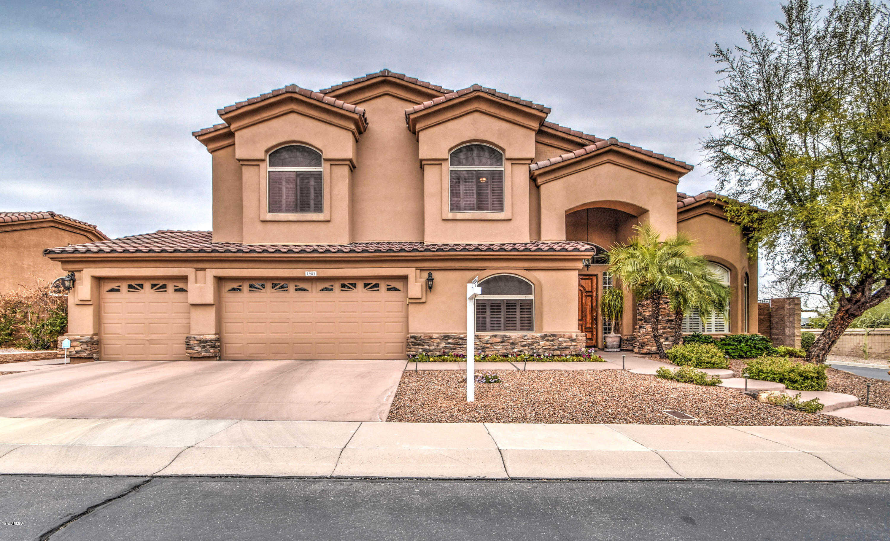 $525,000 - 5Br/3Ba - Home for Sale in Lookout Mountainside, Phoenix