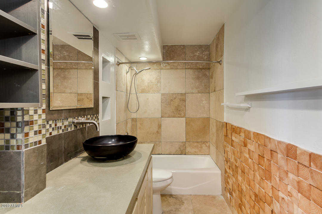$185,000 - 1Br/1Ba -  for Sale in Maya Condominiums, Scottsdale