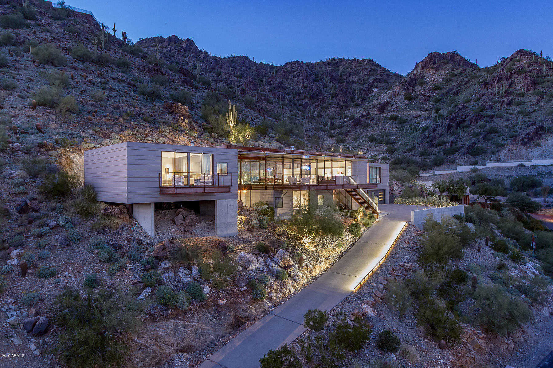 $5,000,000 - 4Br/5Ba - Home for Sale in Clearwater Hills 2 Private Roads, Paradise Valley