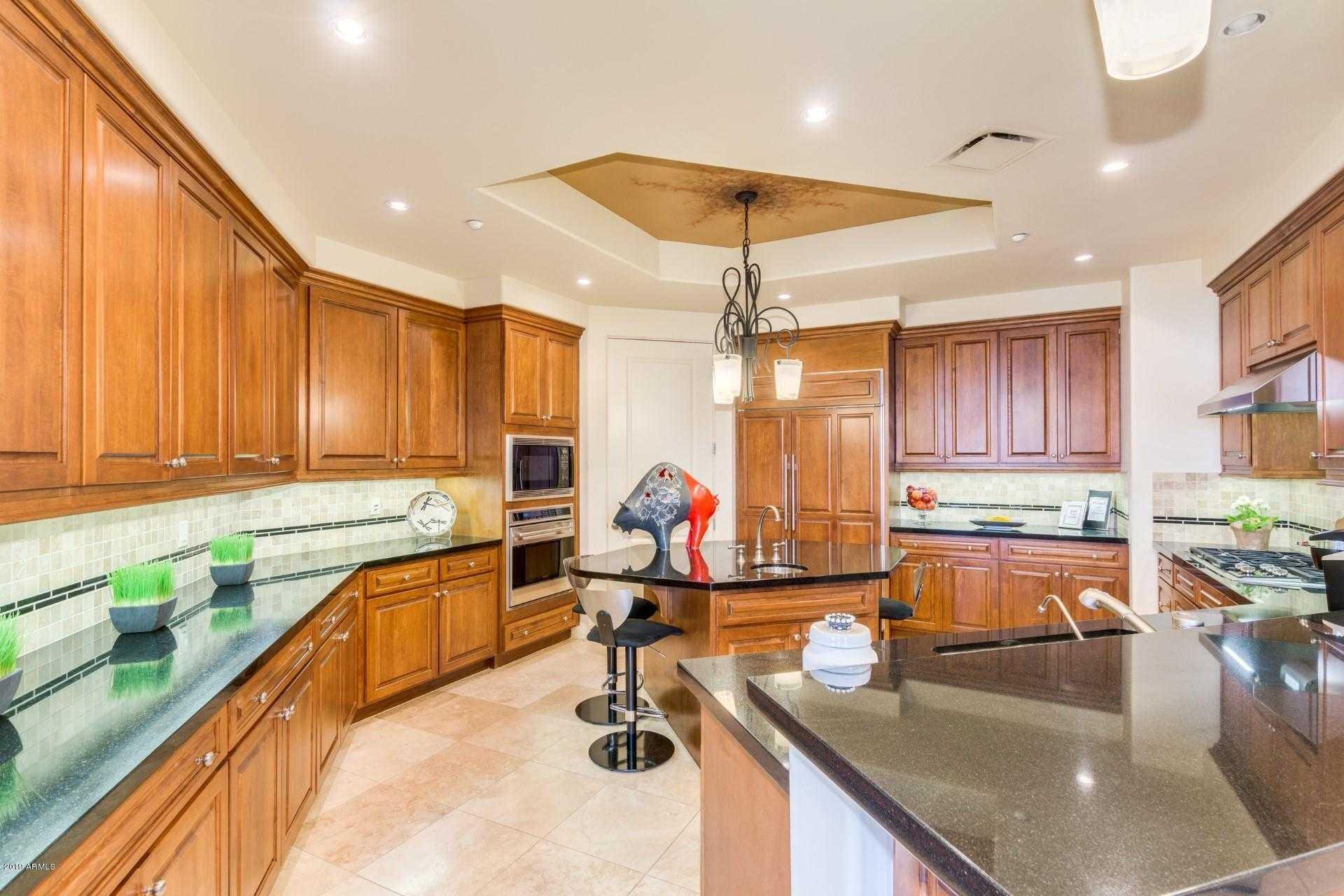 $1,350,000 - 4Br/4Ba -  for Sale in Landmark, Scottsdale