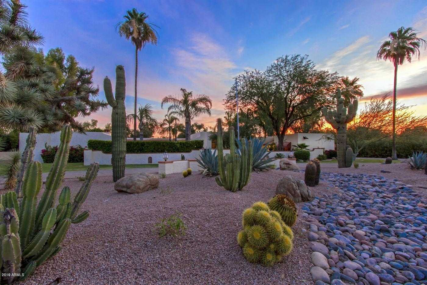 $1,250,000 - 4Br/4Ba - Home for Sale in Camelback Country Club Estates, Paradise Valley