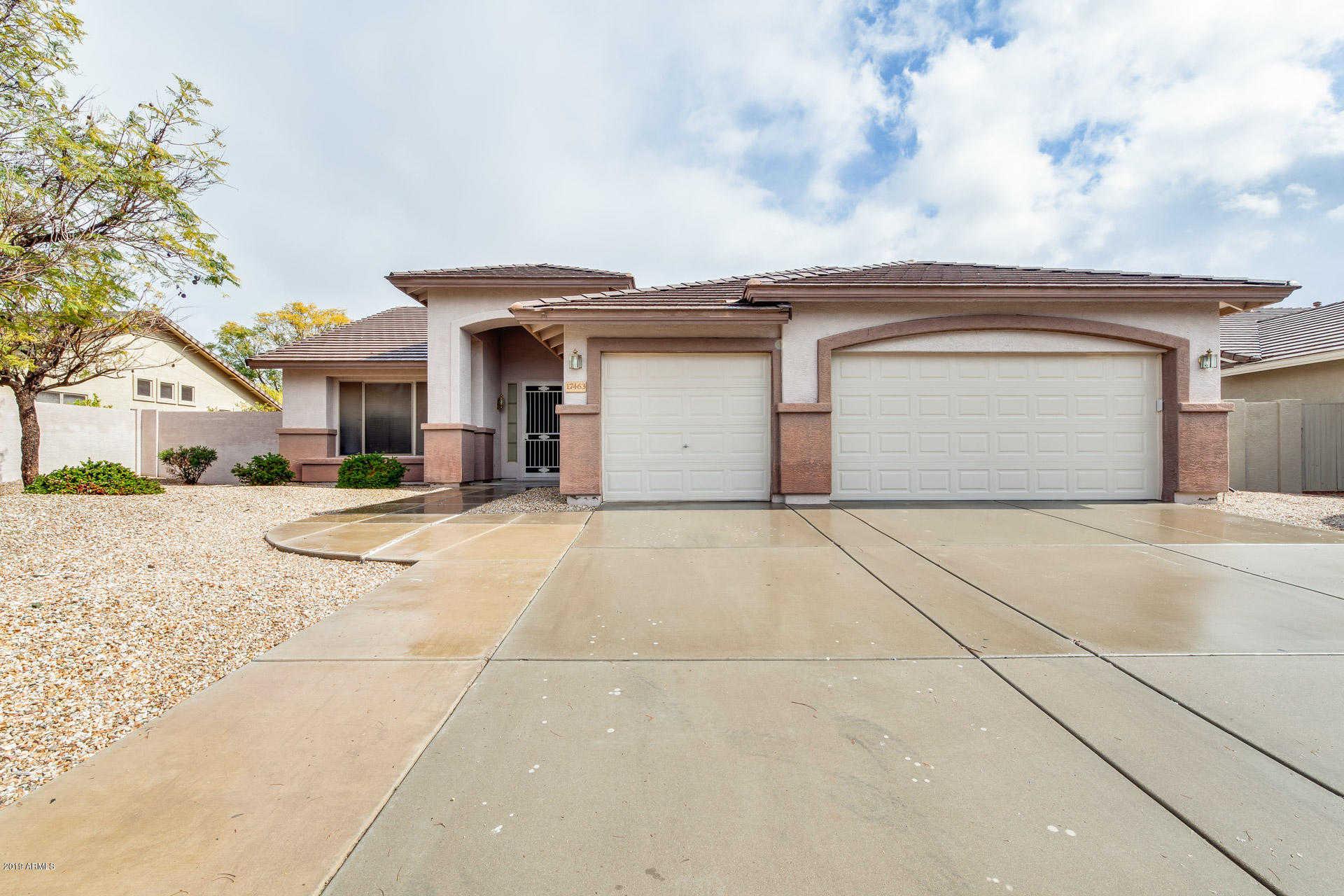 $399,000 - 3Br/2Ba - Home for Sale in Coventry Estates, Glendale