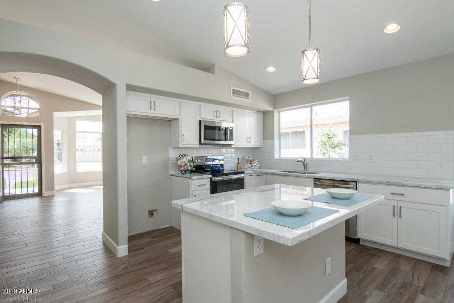 $305,000 - 3Br/2Ba - Home for Sale in Parcel 9 At Arrowhead Ranch, Glendale
