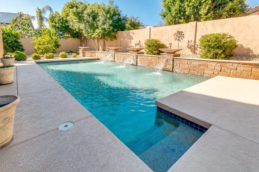 $564,990 - 5Br/3Ba - Home for Sale in Sierra Verde Parcel C, Glendale