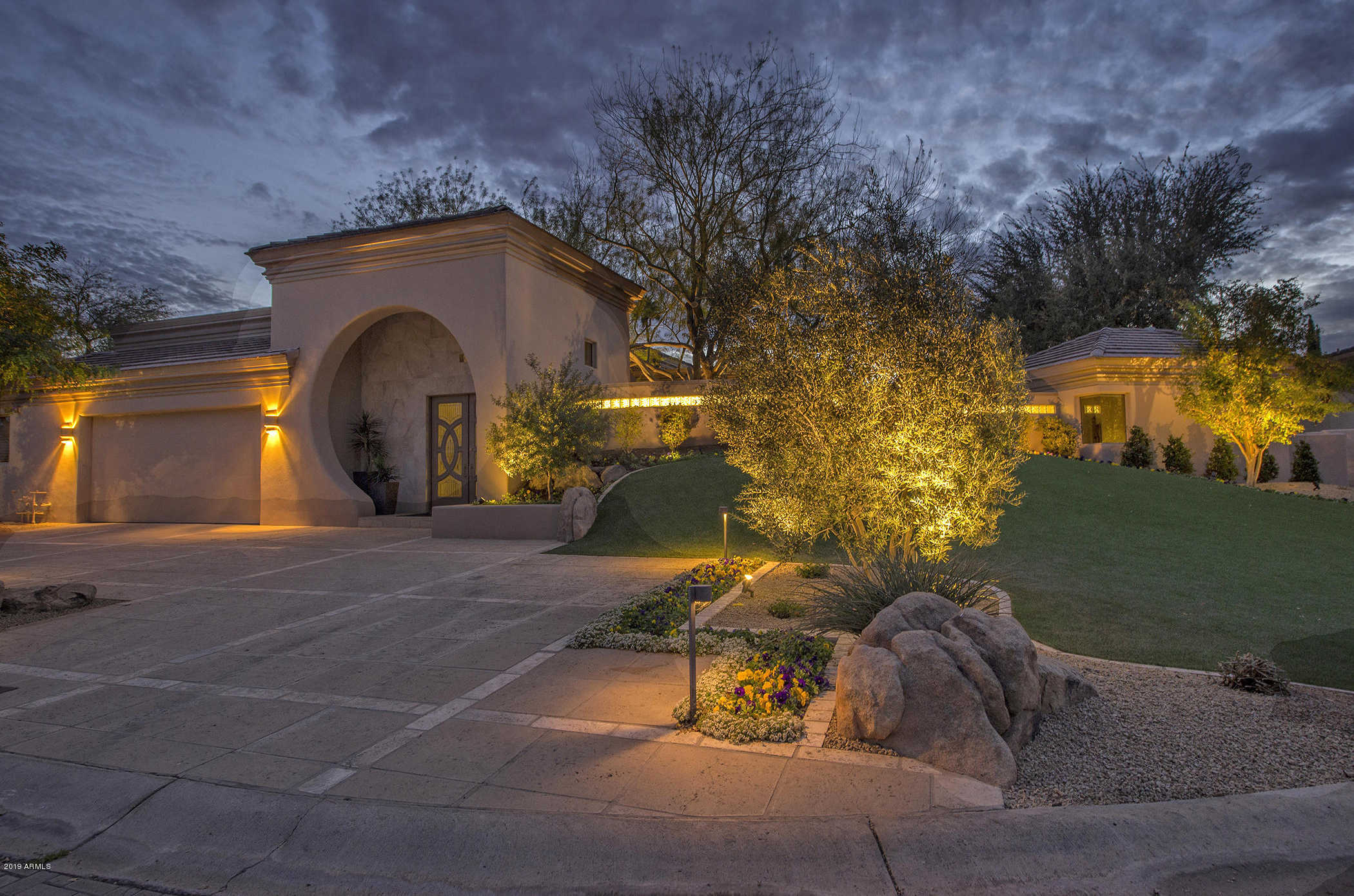 $1,985,000 - 4Br/5Ba - Home for Sale in Via Vista, Paradise Valley