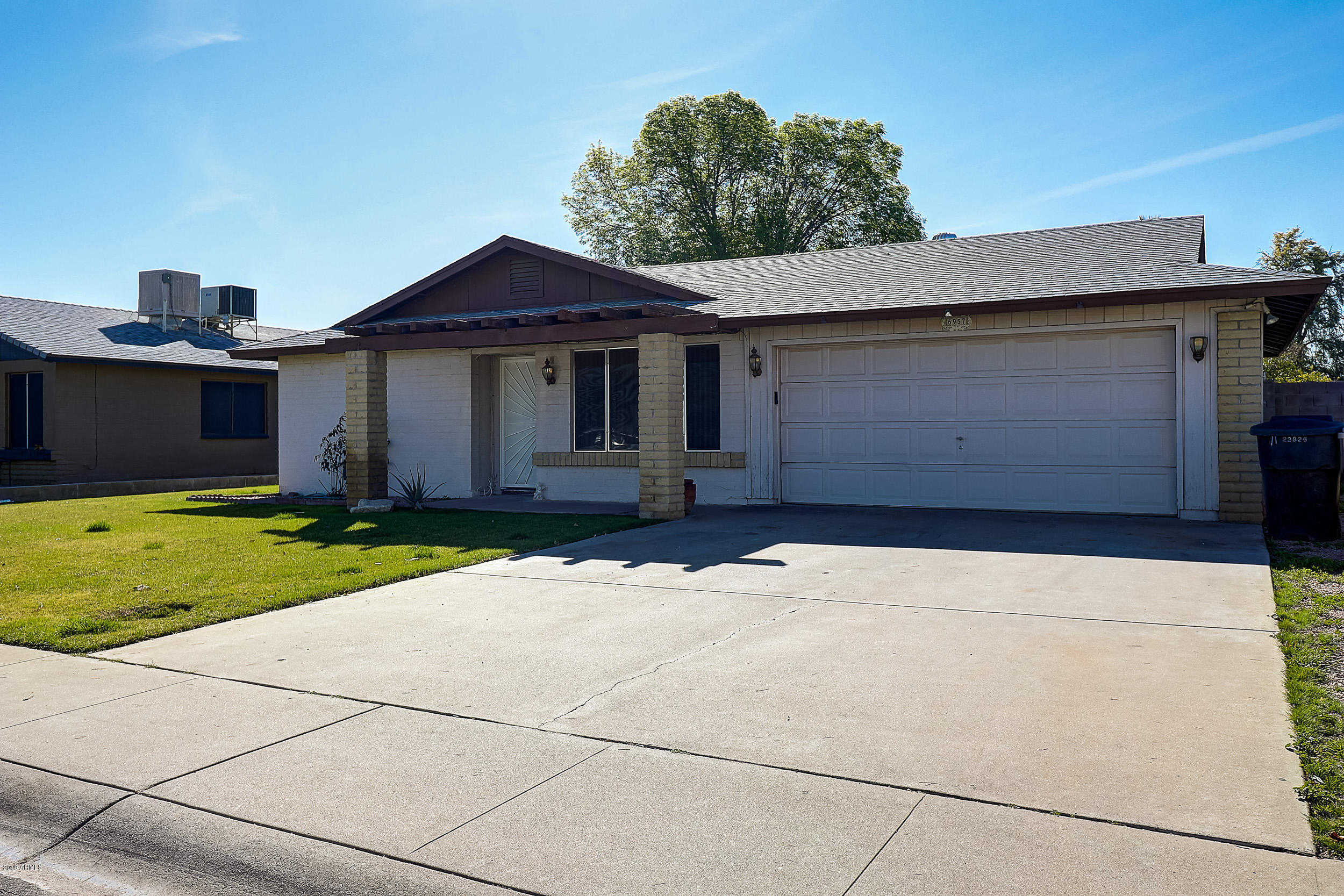 $204,900 - 3Br/2Ba - Home for Sale in Skyview West Unit Three, Glendale