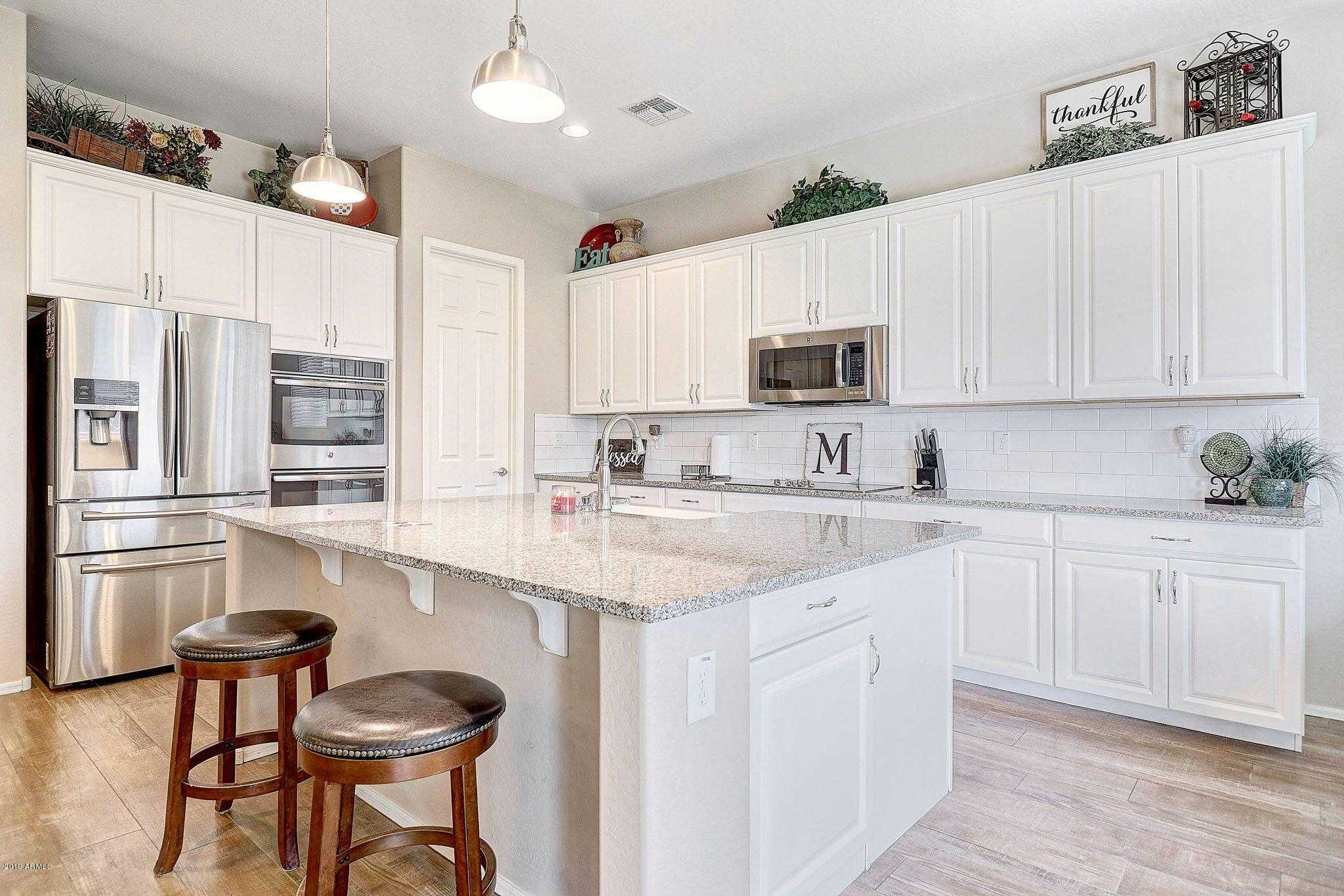$400,000 - 3Br/3Ba - Home for Sale in Rock Springs, Peoria